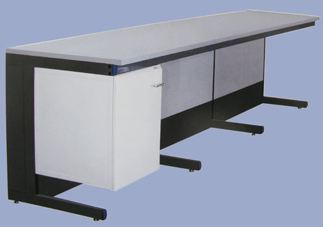 Столы пристенные лабораторные